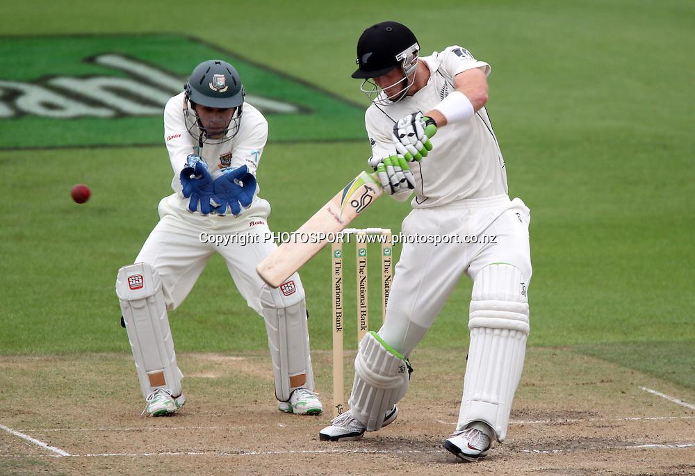 Martin Guptill batting.<br />Day 4. Test match cricket. One off test.<br />New Zealand Black Caps versus Bangladesh.<br />Seddon Park, Hamilton, New Zealand.<br />Thursday 18 February 2010.<br />Photo: Andrew Cornaga/PHOTOSPORT