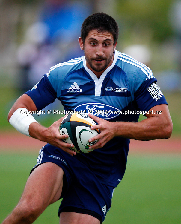 Blues' fullback Paul Smith in action between Super 14 franchise teams, Blues versus Reds rugby union pre season match. North Harbour Stadium, Albany, Auckland, New Zealand. Friday 30 January 2009. Photo: Simon Watts/PHOTOSPORT