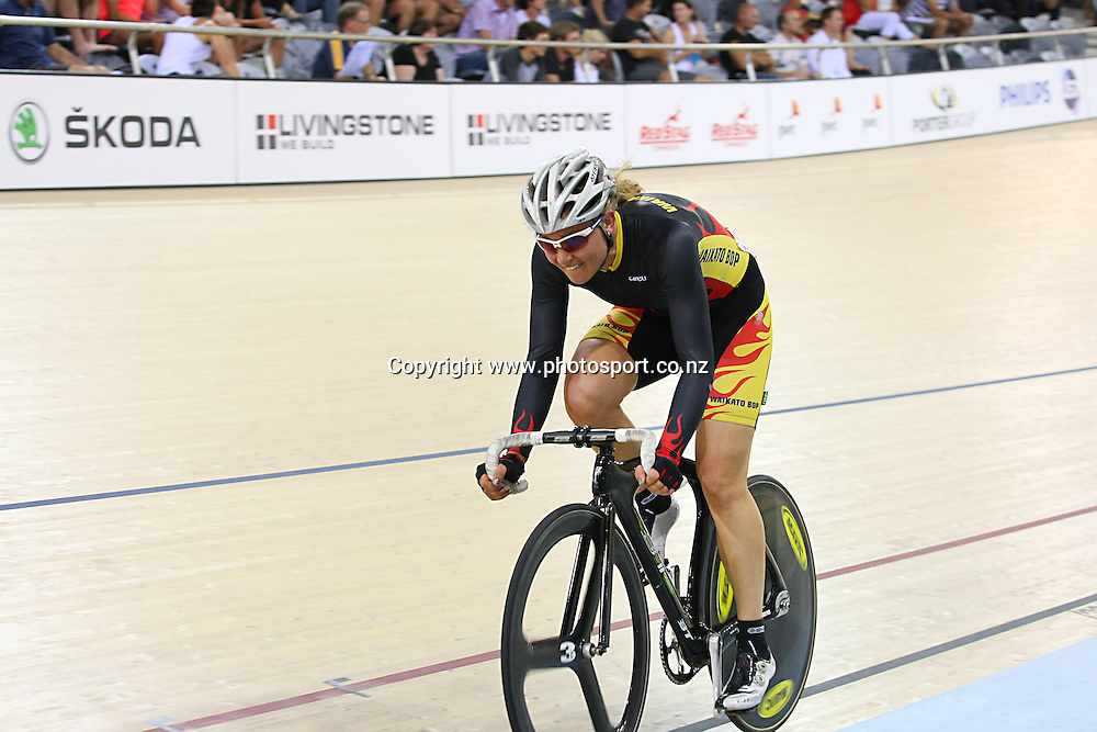 Waikato BOP's Jaime Nielsen in the WE 20k Points Race final at the BikeNZ Elite & U19 Track National Championships, Avantidrome, Home of Cycling, Cambridge, New Zealand, Friday, March 14, 2014.  Photo: Dianne Manson / photosport.co.nz