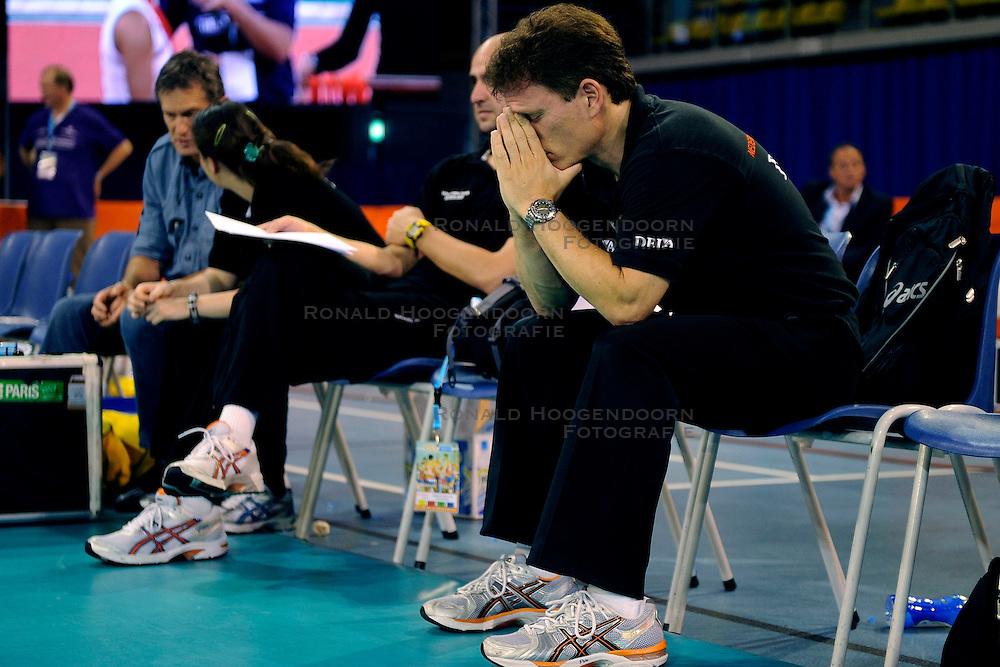20-09-2009 VOLLEYBAL: DELA TROPHY NEDERLAND - TURKIJE: EINDHOVEN<br /> Nederland ook de tweede wedstrijd van Turkije maar ditmaal iets moeizamer 3 -2 / Coach Avital Selinger<br /> &copy;2009-WWW.FOTOHOOGENDOORN.NL