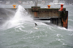 Wellington-High winds lash the capital
