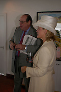 The hon Nichola s Soames and Countess of March and Kinrara. Glorius Goodwood. 27 July 2005. ONE TIME USE ONLY - DO NOT ARCHIVE  © Copyright Photograph by Dafydd Jones 66 Stockwell Park Rd. London SW9 0DA Tel 020 7733 0108 www.dafjones.com