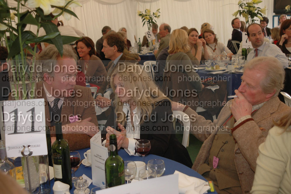David Akroyd, Linda Crawford and Robin Salmon. Ludlow Charity Race Day,  in aid of Action Medical Research. Ludlow racecourse. 24 march 2005. ONE TIME USE ONLY - DO NOT ARCHIVE  © Copyright Photograph by Dafydd Jones 66 Stockwell Park Rd. London SW9 0DA Tel 020 7733 0108 www.dafjones.com
