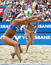 06-08-2011 VOLLEYBAL: FIVB WORLD TOUR GRANDSLAM: KLAGENFURT<br /> Kerri Walsh und Misty May-Treanor (USA)<br /> ©2011-FotoHoogendoorn.nl / Erwin Scheriau