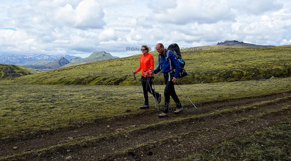 09-07-2014 ISL: Iceland Diabetes Challenge Dag 5, Emstrur<br /> Van Alftavatn naar Emstrur / Debbie de Poorter, Wim in t Veld