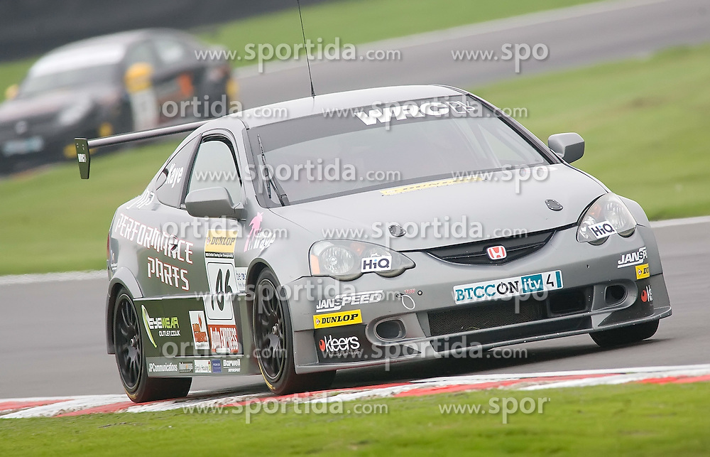 09.10.2010, Brands Hatch, ENG, British Touring Car championship, Final rounds, im Bild BTCC driver James Thonpson drives the devolopment Honda Civtc during second practice. EXPA Pictures © 2010, PhotoCredit: EXPA/ IPS/ Mark Greenwood +++++ ATTENTION - OUT OF ENGLAND/UK +++++.