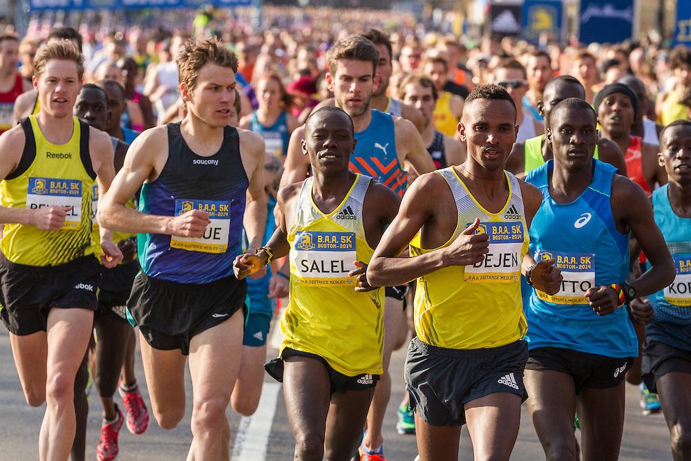 BAA 5K, start of race with elte men up front led by Dejen Gebremeskel