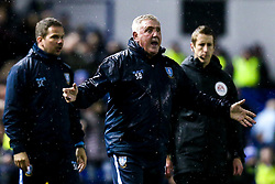 Sheffield Wednesday manager Steve Bruce cuts a frustrated figure - Mandatory by-line: Robbie Stephenson/JMP - 04/03/2019 - FOOTBALL - Hillsborough - Sheffield, England - Sheffield Wednesday v Sheffield United - Sky Bet Championship