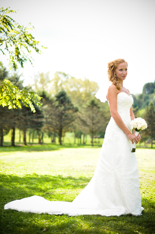 Abby and bouquet, Richland Center, WI