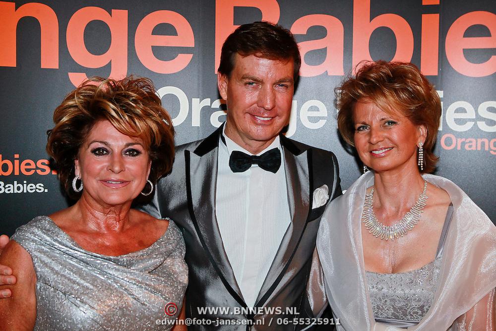 NLD/Noordwijk/20110625 - Orange Babies Gala 2011, Christine Kroonenberg en .................
