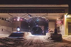 THEMENBILD - Sperre der Felbertauernstrasse und des Felbertauerntunnels nach den starken Schneefall und der akuten Lawinengefahr, aufgenommen am 14. Januar 2019 in Mittersill, Österreich // road closure of the Felbertauernstrasse and the Felbertauern tunnel after the heavy snowfall and the acute avalanche danger, Mittersill, Austria on 2019/01/14. EXPA Pictures © 2018, PhotoCredit: EXPA/ JFK