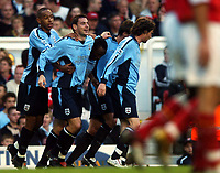 Fotball<br /> Premier League England 2004/2005<br /> Foto: BPI/Digitalsport<br /> NORWAY ONLY<br /> <br /> 30.10.2004<br /> Arsenal v Southampton<br /> <br /> Rory Delap, 2nd let, celebrates after making it 2-1