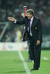 WARSAW, POLAND - WEDNESDAY, SEPTEMBER 7th, 2005: Wales' manager John Toshack urges his side on during their 1-0 defeat by Poland during the World Cup Group Six Qualifying match at the Legia Stadium. (Pic by David Rawcliffe/Propaganda)