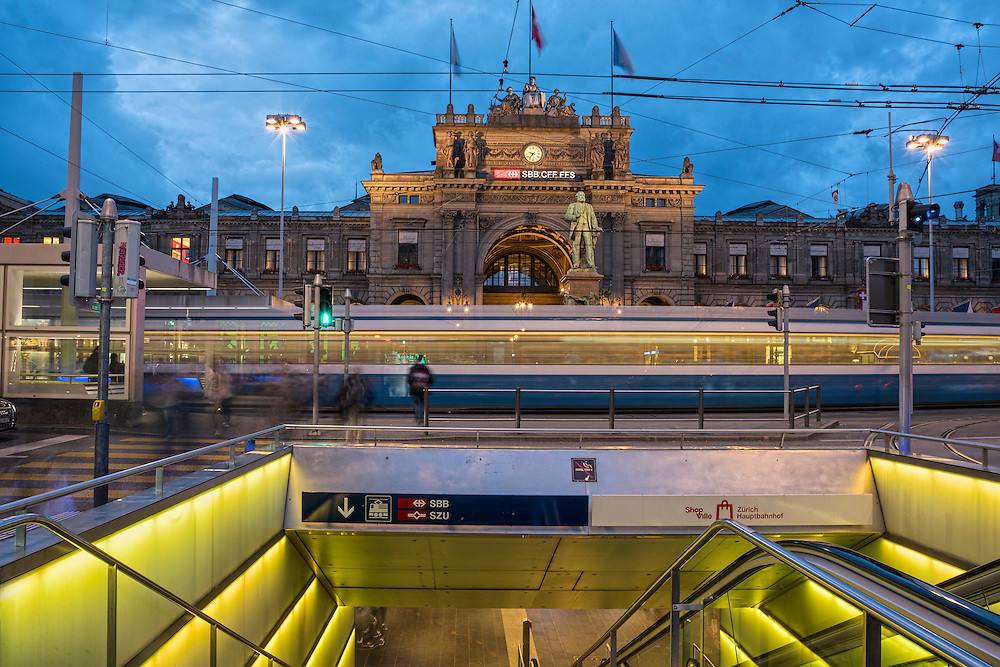 Europe, Switzerland, Zuerich, main train station at night