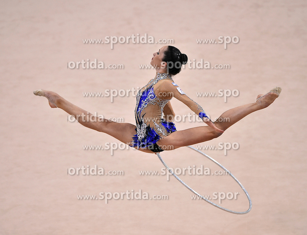 08.09.2015, Porsche Arena, Stuttgart, GER, Gymnastik WM, im Bild Neta Rivkin (ISR) Reifen // during the World Rhythmic Gymnastics Championships at the Porsche Arena in Stuttgart, Germany on 2015/09/08. EXPA Pictures &copy; 2015, PhotoCredit: EXPA/ Eibner-Pressefoto/ Weber<br /> <br /> *****ATTENTION - OUT of GER*****