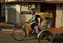 Motonetas, motos , bicicletas e qualquer outro veículo de duas rodas são os principais meios de locomoção na China e na cidade de Melaka.  Foto: Eduardo Oliveira/Preview.com
