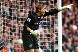 02.10.2010, Upton Park, London, ENG, PL, Tottenham Hotspur vs Aston Villa, im Bild Robert Green of West Ham United.Barclays Premier League, West Ham United v Fulham.. EXPA Pictures © 2010, PhotoCredit: EXPA/ IPS/ Kieran Galvin +++++ ATTENTION - OUT OF ENGLAND/UK +++++