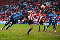SHEFFIELD, ENGLAND - Saturday, March 1, 2008: Charlton Athletic's Sam Sodje and Sheffield United's Gary Speed during the League Championship match at Bramall Lane. (Photo by David Rawcliffe/Propaganda)