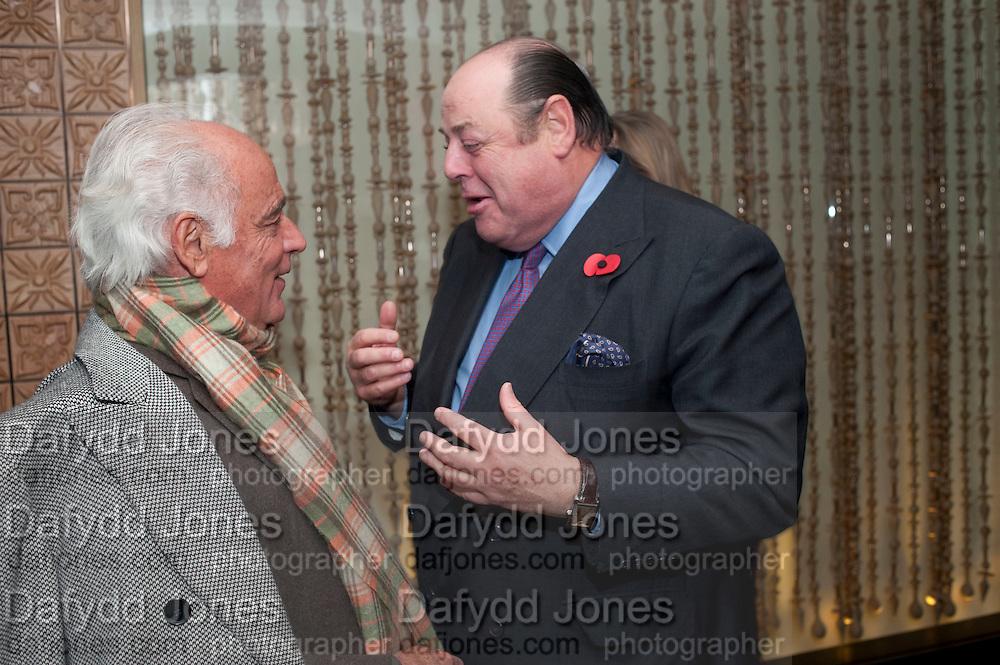 JOHN STEFANIDES; NICHOLAS SOAMES, Launch of Nicky Haslam's book Redeeming Features. Aqua Nueva. 5th floor. 240 Regent St. London W1.  5 November 2009.  *** Local Caption *** -DO NOT ARCHIVE-© Copyright Photograph by Dafydd Jones. 248 Clapham Rd. London SW9 0PZ. Tel 0207 820 0771. www.dafjones.com.<br /> JOHN STEFANIDES; NICHOLAS SOAMES, Launch of Nicky Haslam's book Redeeming Features. Aqua Nueva. 5th floor. 240 Regent St. London W1.  5 November 2009.