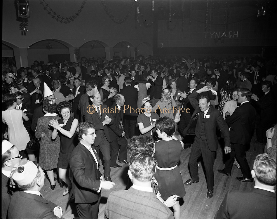 20/04/1970<br /> 04/20/1970<br /> 20 April 1970<br /> Tynagh Mines Dinner Dance at Loughrea, Co. Galway. The party in full swing.