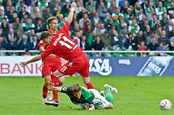 28.08.2010, Weser Stadion, Bremen, GER, 1.FBL, Werder Bremen vs 1. FC Koeln im Bild Millivoje Novakovic (Koeln #11) Sebastian Prödl / Proedl ( Werder #15)    EXPA Pictures © 2010, PhotoCredit: EXPA/ nph/  Kokenge+++++ ATTENTION - OUT OF GER +++++