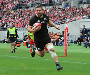 November 3, 2018, Tokyo, Japan -New Zealand's All Blacks Dane Coles carries the ball into the end zone for a try during the Lipovitan-D Challenge Cup against Japan in Tokyo on Saturday, November 3, 2018. All Blacks defeated Japan 69-31.    (Photo by Yoshio Tsunoda/AFLO) LWX -ytd-