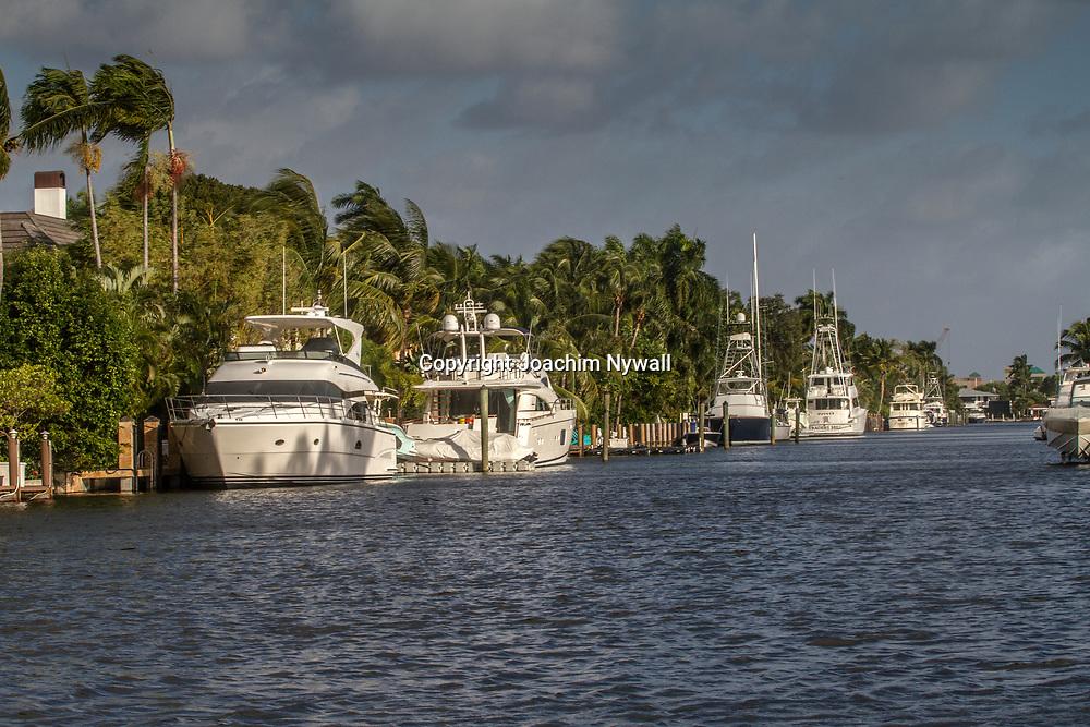 20151122 Fort Lauderdale  Florida USA <br /> Lyx yachter i en av kanalerna<br /> FT Lauderdale <br /> <br /> <br /> FOTO : JOACHIM NYWALL KOD 0708840825_1<br /> COPYRIGHT JOACHIM NYWALL<br /> <br /> ***BETALBILD***<br /> Redovisas till <br /> NYWALL MEDIA AB<br /> Strandgatan 30<br /> 461 31 Trollh&auml;ttan<br /> Prislista enl BLF , om inget annat avtalas.