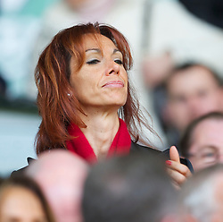 LIVERPOOL, ENGLAND - Sunday, March 28, 2010: Liverpool's Maria di Montserrat Benitez, wife of Liverpool manager Rafael, during the Premiership match against Sunderland at Anfield. (Photo by: David Rawcliffe/Propaganda)