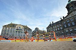 20150629 NED: WK Beachvolleybal day 4<br /> Wessel Keemink #2 en Sven Vismans #1 hebben ook hun tweede groepswedstrijd op de WK beachvolleybal verloren. Het Amerikaanse duo Nicholas Lucena en Theodore Brunner was op de Dam in Amsterdam in twee sets te sterk 21-16 en 21-13 / Transavia beach girls