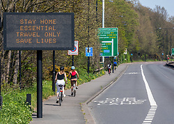 © Licensed to London News Pictures. 10/04/2020. London, UK. The A3 in to Central London remains empty during the Easter Bank Holiday were temperatures are expected to reach 25c. A high police presence in London has persuaded many not to travel over the lockdown Easter weekend as the coronavirus crisis continues. Photo credit: Alex Lentati/LNP