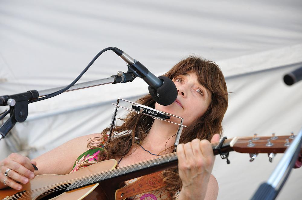 Laurie McClain concert at 2013 Tucson Folk Festival. Event photography by Martha Retallick.