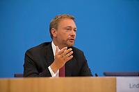 DEU, Deutschland, Germany, Berlin, 04.06.2018: FDP-Partei- und Fraktionschef Christian Lindner, in der Bundespressekonferenz zum Thema: Antrag zur Einsetzung eines Untersuchungsausschusses zum BAMF-Skandal.