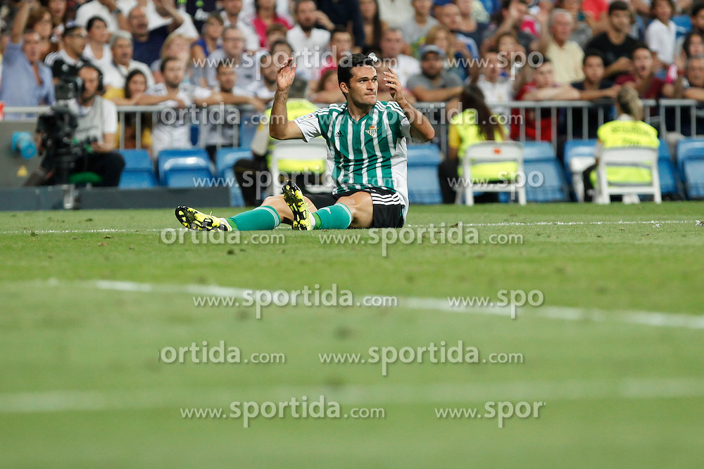 29.08.2015, Estadio Santiago Bernabeu, Madrid, ESP, Primera Division, Real Madrid vs Real Betis, 2. Runde, im Bild Real Betis&acute;s Vargas // during the Spanish Primera Division 2nd round match between Real Madrid and Real Betis at the Estadio Santiago Bernabeu in Madrid, Spain on 2015/08/29. EXPA Pictures &copy; 2015, PhotoCredit: EXPA/ Alterphotos/ Victor Blanco<br /> <br /> *****ATTENTION - OUT of ESP, SUI*****