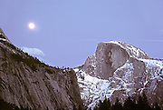 The moonrise over Halfdome.