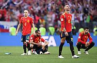 FUSSBALL  WM 2018  Achtelfinale  01.07.2018 Spanien - Russland Enttaeuschung Spanien; Andres Iniesta (li) und Sergio Ramos (re)