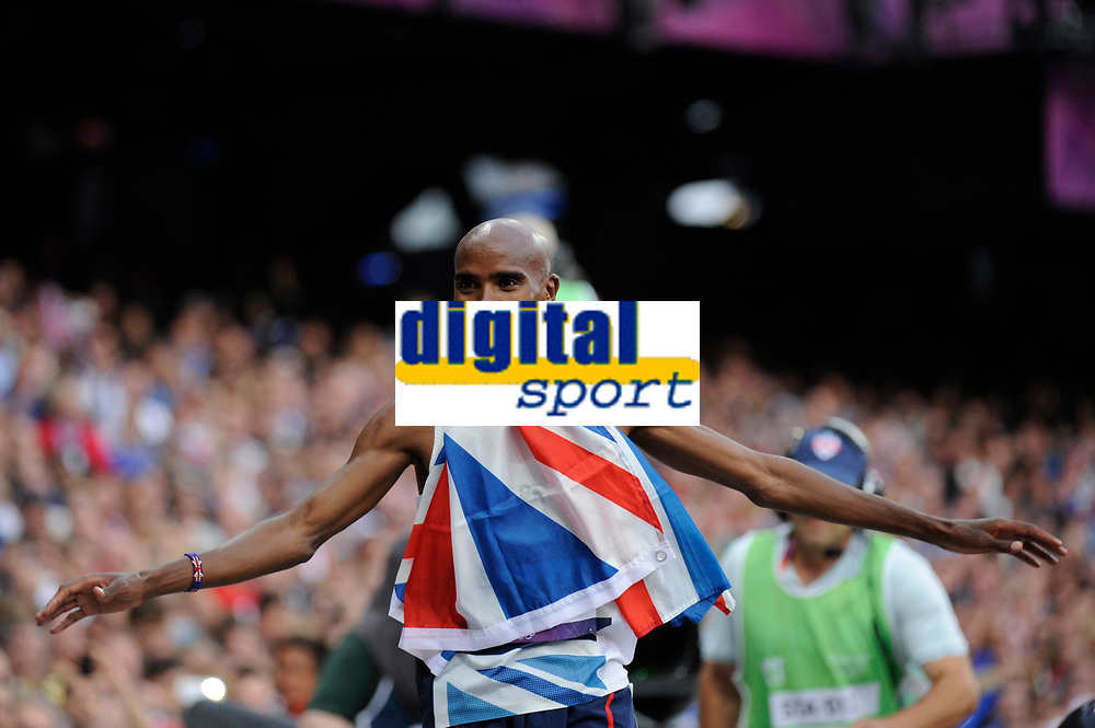 LONDON OLYMPIC GAMES 2012 - OLYMPIC STADIUM , LONDON (ENG) - 11/08/2012 - PHOTO : STEPHANE KEMPINAIRE / POOL / KMSP / DPPI<br /> ATHLETICS - MEN'S 5000 M - WINNER - GOLD MEDAL - MO FARAH (GBR)