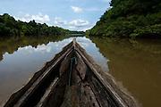 Navegando por el río Sambu en las cercanías con el golfo de San Miguel, Provincia de Darien,  Océano Pacífico de Panamá.