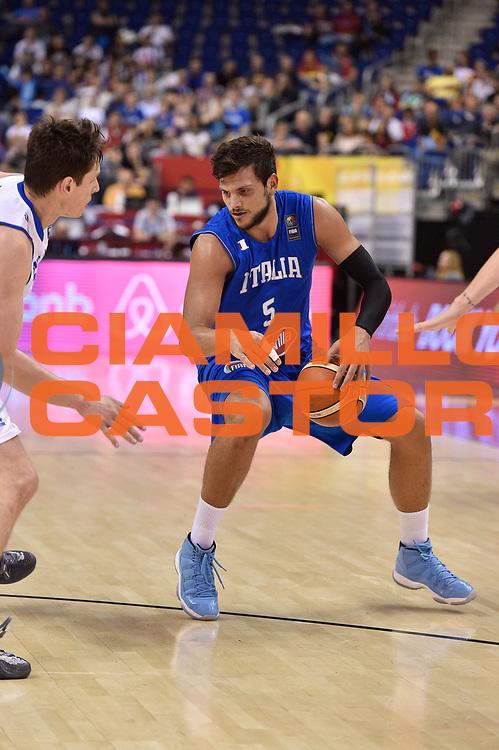 DESCRIZIONE : Berlino Berlin Eurobasket 2015 Group B Iceland Italy<br /> GIOCATORE : Alessandro Gentile<br /> CATEGORIA : palleggio<br /> SQUADRA : Iceland Italy<br /> EVENTO : Eurobasket 2015 Group B<br /> GARA : Iceland Italy<br /> DATA : 06/09/2015<br /> SPORT : Pallacanestro<br /> AUTORE : Agenzia Ciamillo-Castoria/Giulio Ciamillo<br /> Galleria : Eurobasket 2015<br /> Fotonotizia : Berlino Berlin Eurobasket 2015 Group B Iceland Italy