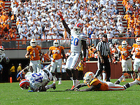 Florida defensive back Keanu Neal (42) intercepts the football to end Tennessee to win the game 10-9 Saturday afternoon. Joy Kimbrough | The Daily Times