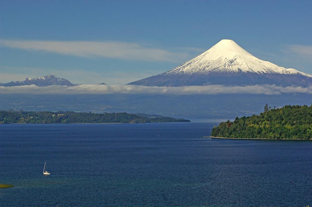 view over Lago Llanguihue with Volcano Osorno, Puerto Octay, Los Lagos, Patagonia, Chile