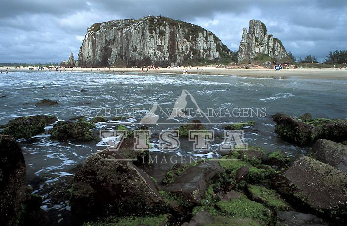 Praia da Guarita, Torres, RS, Brasil. foto de Ze Paiva/Vista Imagens