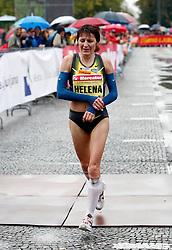 Slovenian runner Helena Javornik at Ljubljana`s marathon in Ljubljana, on October 28, 2007.  (Photo by Vid Ponikvar / Sportal Images)/ Sportida)