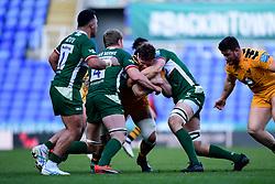 Will Rowlands of Wasps is challenged by Franco van der Merwe of London Irish and Matt Rogerson of London Irish - Mandatory by-line: Ryan Hiscott/JMP - 01/03/2020 - RUGBY - Madejski Stadium - Reading, England - London Irish v Wasps - Gallagher Premiership Rugby