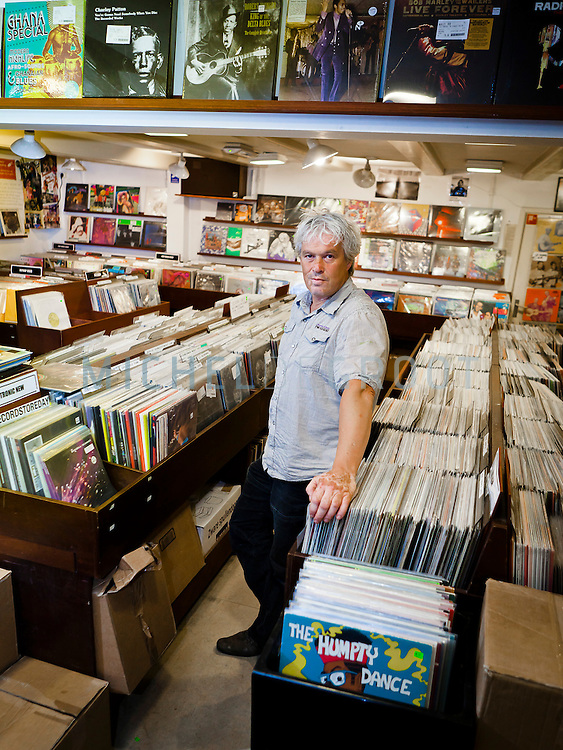 Dick van Dijk, eigenaar van muziekwinkel Plato / Concerto in Amsterdam