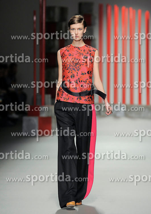 Eudon Choi at London Fashion Week, 20-02-2015, England, UK. EXPA Pictures &copy; 2015, PhotoCredit: EXPA/ Photoshot/ Mr Tickle<br /> <br /> *****ATTENTION - for AUT, SLO, CRO, SRB, BIH, MAZ only*****