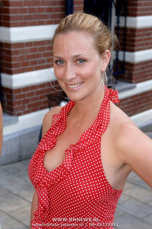NLD/Amsterdam/20060613 - Uitreiking FHM 100 sexiest vrouwen 2006, Fabienne de Vries