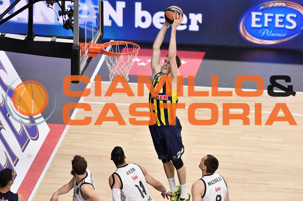DESCRIZIONE : Madrid Eurolega Euroleague 2014-15 Final Four Semifinal Semifinale Real Madrid Fenerbahce Ulker Istanbul <br /> GIOCATORE : Jan Vesely<br /> SQUADRA : Fenerbahce Ulker Istanbul<br /> CATEGORIA : tiro schiacciata sequenza<br /> EVENTO : Eurolega 2014-2015<br /> GARA : Real Madrid Fenerbahce Ulker Istanbul <br /> DATA : 15/05/2015<br /> SPORT : Pallacanestro<br /> AUTORE : Agenzia Ciamillo-Castoria/GiulioCiamillo<br /> Galleria : Eurolega 2014-2015<br /> DESCRIZIONE : Madrid Eurolega Euroleague 2014-15 Final Four Semifinal Semifinale Real Madrid Fenerbahce Ulker Istanbul