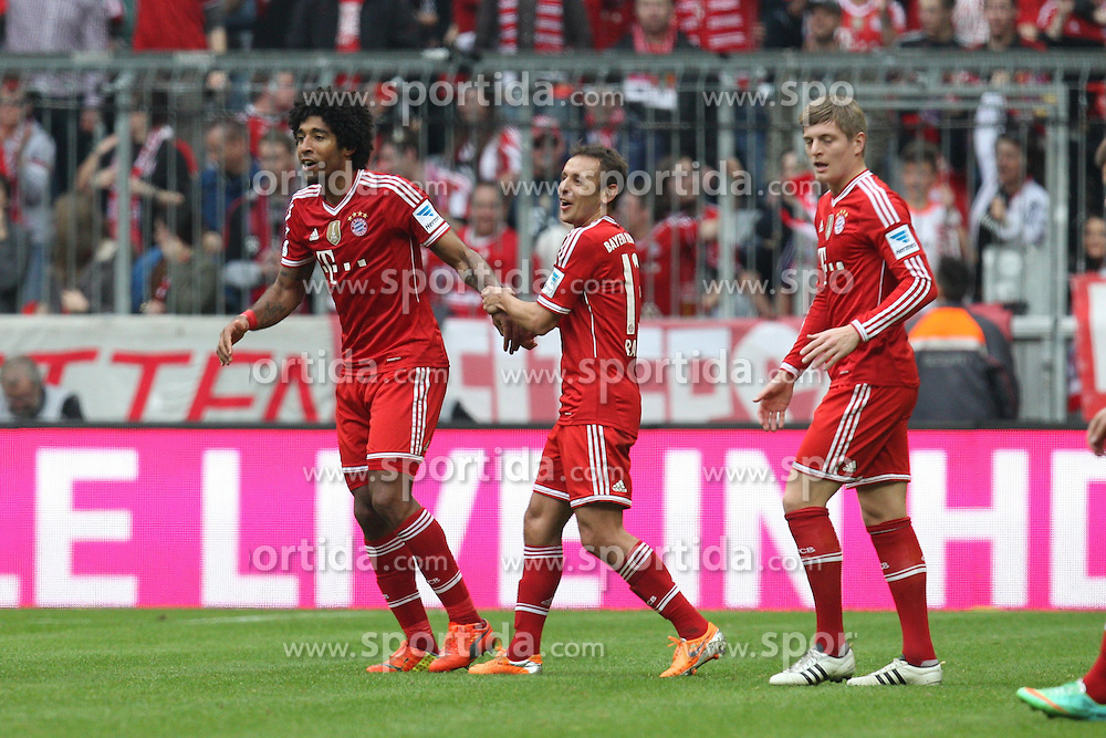 15.02.2014, Allianz Arena, Muenchen, GER, 1. FBL, GER, 1. FBL, FC Bayern Muenchen vs SC Freiburg, 21. Runde, im Bild l-r: Torjubel von DANTE #4 (FC Bayern Muenchen), RAFINHA #13 (FC Bayern Muenchen), Toni KROOS #39 (FC Bayern Muenchen) // during the German Bundesliga 21th round match between FC Bayern Munich and SC Freiburg at the Allianz Arena in Muenchen, Germany on 2014/02/15. EXPA Pictures &copy; 2014, PhotoCredit: EXPA/ Eibner-Pressefoto/ Kolbert<br /> <br /> *****ATTENTION - OUT of GER*****