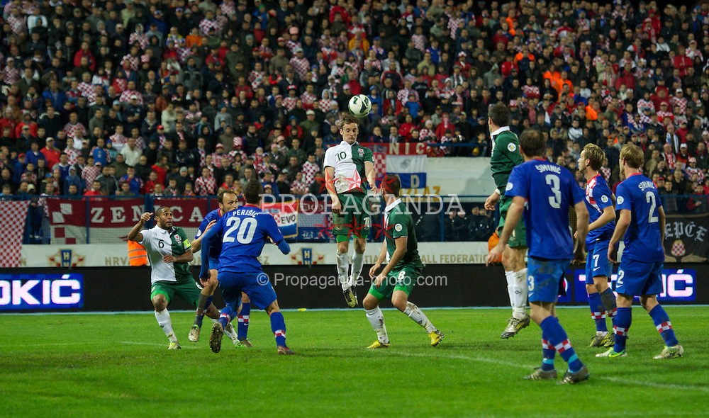 OSIJEK, CROATIA - Tuesday, October 16, 2012: Wales' David Edwards in action against Croatia during the Brazil 2014 FIFA World Cup Qualifying Group A match at the Stadion Gradski Vrt. (Pic by David Rawcliffe/Propaganda)
