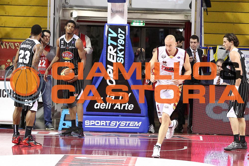 DESCRIZIONE : Venezia Lega A 2013-14 Umana Reyer Venezia Pasta Reggia Caserta<br /> GIOCATORE : jeff brooks<br /> CATEGORIA :  delusione<br /> SQUADRA : Umana Reyer Venezia Pasta Reggia Caserta<br /> EVENTO : Campionato Lega A 2013-2014<br /> GARA : Umana Reyer Venezia Pasta Reggia Caserta<br /> DATA : 19/01/2014<br /> SPORT : Pallacanestro<br /> AUTORE : Agenzia Ciamillo-Castoria/G.Contessa<br /> Galleria : Lega Basket A 2013-2014<br /> Fotonotizia :  Venezia Lega A 2012-13 Umana Reyer Venezia Pasta Reggia Caserta<br /> Predefinita :